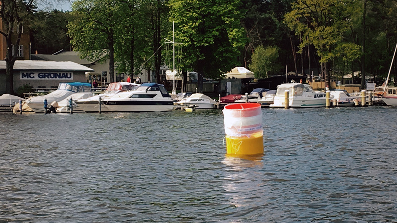 Die Boje schwimmt am geplanten Einsatzort
