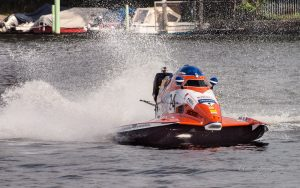 MBR2017-8270818-300x188 in 24. Int. ADAC MSG DMYV Motorbootrennen Berlin-Grünau