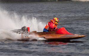 MBR2017-8270953-300x188 in 24. Int. ADAC MSG DMYV Motorbootrennen Berlin-Grünau