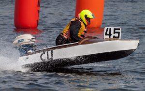 MBR2017-8270976-300x188 in 24. Int. ADAC MSG DMYV Motorbootrennen Berlin-Grünau